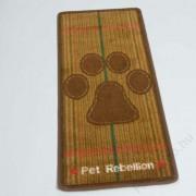 """Pet Rebellion futtató szőnyeg """"Berkshire"""" mintával 45x100 cm-es"""