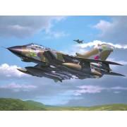 Tornado GR.1 RAF repülő makett revell 4619