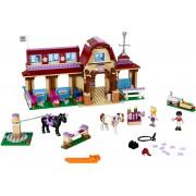 LEGO Clubul de calarie din Heartlake (41126)