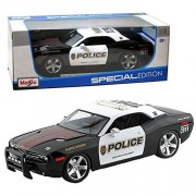 Maisto Year 2014 Special Edition Series 1:18 Scale Die Cast Car Set - Black and White Traffic Division Police Cruiser 2006 DODGE CHALLENGER CONCEPT with Display Base (Car Dimension: 10 x 4 x 3) by Maisto