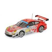 Minichamps 400096980 - 1:43 2009 Porsche 911 GT3 RSR, Bergmeister/Neima/Law, Le Mans