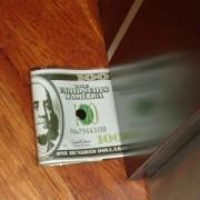 Držák na dveře - 100 DOLAR