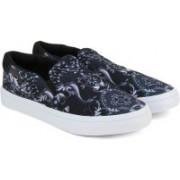 Adidas Originals COURTVANTAGE SLIP ON W Loafers(Black)