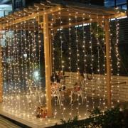 LED Fényfüggöny 2x1,5m átlátszó vezetékes meleg fehér