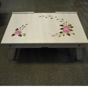 Masuta din lemn cu imprimeu floral