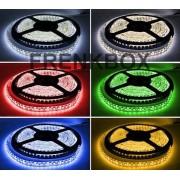 Striscia LED multicolore RGB impermeabile kit con telecomando e alimentatore 2A