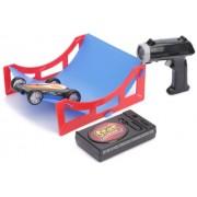 Lazer Stunt Chaser 80123 - Vehículo radio control con trampolín, color negro, naranja y blanco