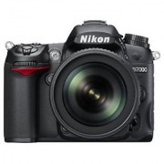 Nikon D7000 16.2 Megapixels Digital SLR Camera (Black) with AF-S 18-105mm VR II Kit Lens and 8GB Card Camera Bag