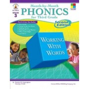 Month-By-Month Phonics for Third Grade by Patricia M Cunningham
