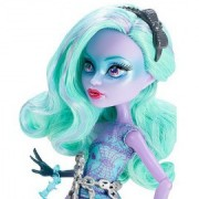 Papusa Twyla - Monster High Haunted