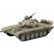 Macheta Revell Soviet Battle Tank T-72 M1
