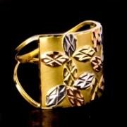 Anel Trabalhado com Folhas de Três Cores, Ouro Amarelo, Ouro Branco e Ouro Vermelho