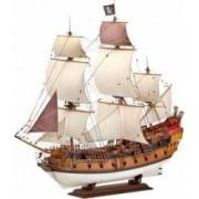 Macheta Revell Pirate Ship