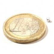 Magnet neodim disc, diametru 2 mm, putere 150 g