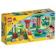 Game / Play LEGO 10513 Never Land Hideout Accessories include a gold doubloon and Tiki and flag Toy / Child / Kid