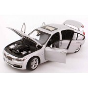 Miniatura BMW Seria 3 F30 1:18 Glacier Silver