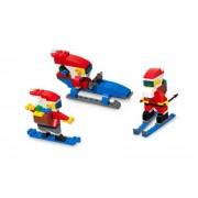 LEGO Seasonal Cool Santa Claus in the Snow Figures Set-40000 (RARE)