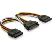 Deltaco Y-strömadapter för 15-pin SATA-ström, för 2 hårddiskar, 10 cm
