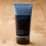 Spuma de ras Innisfree Forest For Men Shaving & Cleansing Foam