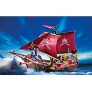 Barca Piratilor cu Tun