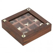 Noughts and Crosses Wooden Tic Tac Toe Game for Chidren, Size: 12.7 X 12.7 CM