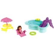 Mattel Dora The Explorer Fisher Price X3402 - In Campeggio con Dora
