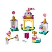 LEGO Grajdul regal al lui Petite (41144)