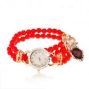 Gyöngyös karóra, piros gyöngyökből, szívecske, számlap cirkóniákkal