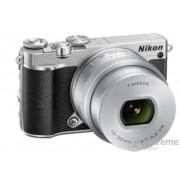 Nikon 1 J5 kit (cu obiectiv 10-30 PD-Zoom), argintiu