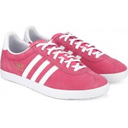 Adidas Originals GAZELLE OG W Men Sneakers(Pink, White)