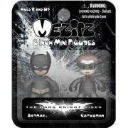 Batman figure couple cute Batman and Catwoman SD version Batman & Catwoman - 2-Pack Batman movie The Dark Knight Rising DC superhero Batman The Dark Knight Rises 2 inch Mez-Itz Action Figures! Reward to present their gift [parallel import goods] Not Avail