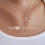 Dames Hangertjes ketting Driehoekige vorm Legering Basisontwerp Modieus Eenvoudige Stijl Goud Zilver Sieraden VoorFeest Verjaardag