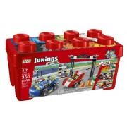 LEGO® Juniors Raliu cu maşini de curse 10673