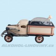 Dřevěné auto s kupou