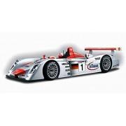 Le Mans Sieger 2001 Infineon Audi R8 Race Car #1, Silver Maisto Gt Racing 38626 1/18 Scale Diecast Model Toy Car