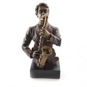 Statueta din rasina - cantaret la saxofon