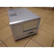 SilverStone SUGO SG01-F - Modèle bureau - micro ATX - pas d'alimentation ( ATX / PS/2 ) - argenté(e) - USB/FireWire/Audio