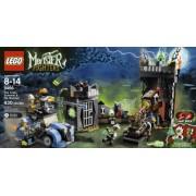 LEGO Monster Fighters The Crazy Scientist & His Monster 430pieza(s) - juegos de construcción (Multicolor)