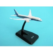 Boeing 787-8 inflight without landing gear with stand Maßstab 1:1000