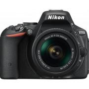 Aparat Foto D-SLR NIKON D5500 (Negru) cu Obiectiv 18-55mm VR, Filmare Full HD, 24.2 MP