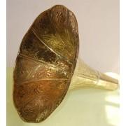 """Tromba in ottone per grammofono """"cesellata"""""""