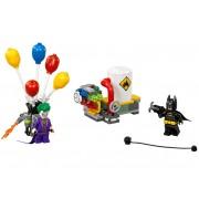 LEGO Evadarea lui Joker™ cu balonul (70900)