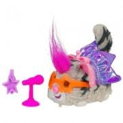 Hasbro Furry Frenzies Mascotas revoltosas musicales Senorita Scamps - Animal de peluche con movimiento, sonido y música