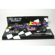 Minichamps - 410110002 - Véhicule Miniature - Red Bull Racing Renault Rb7 2011 Mark Webber - Echelle 1:43-Minichamps