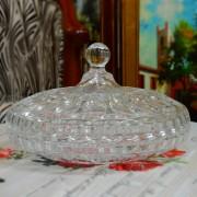 Bomboniera ovala, din sticla, cu capac
