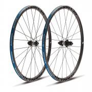 Reynolds Attack Clincher Disc Wheelset - Shimano - 2015