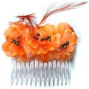 Peineta con flores y plumas color naranja