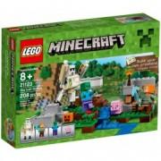 LEGO® Minecraft™ Golemul de fier 21123