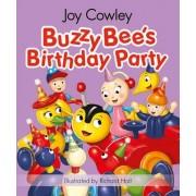 Buzzy Bee's Birthday Party by Joy Cowley