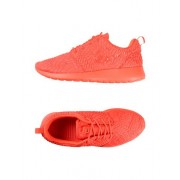 NIKE W NIKE ROSHE ONE DMB - CHAUSSURES - Sneakers & Tennis basses - on YOOX.com